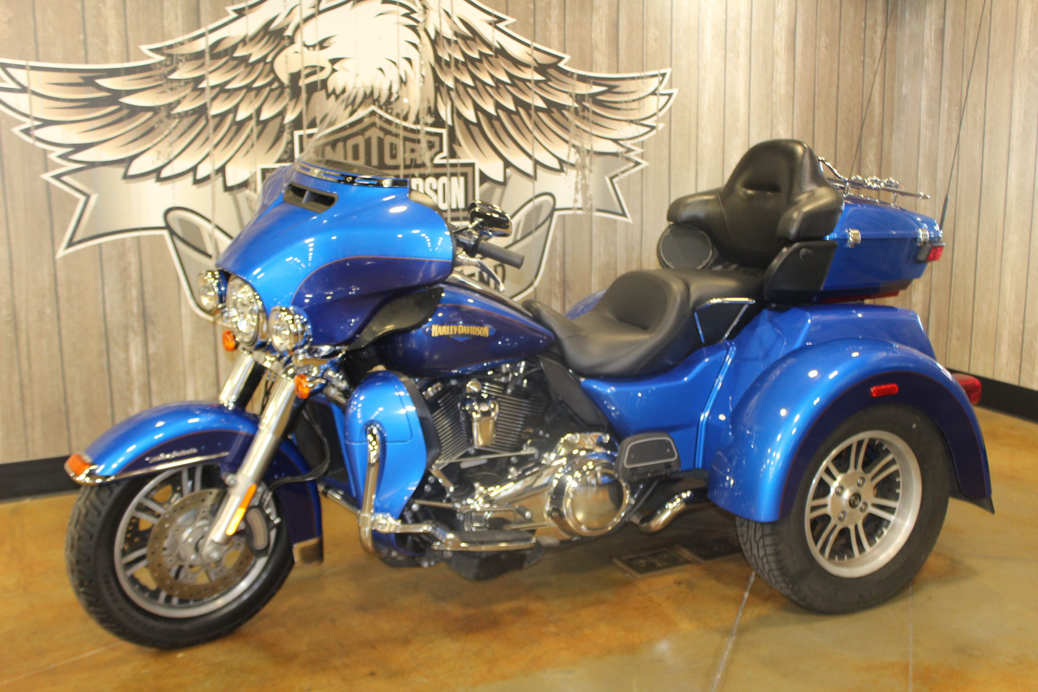 Pre-Owned 2017 Harley-Davidson Tri Glide Ultra Classic